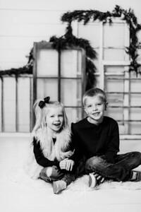 00008-©ADHPhotography2019--dickes--ChristmasMini--November5--bw