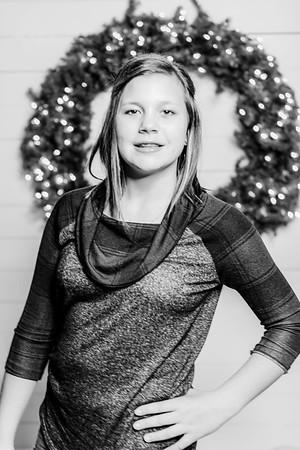 00245-©ADHPhotography2019--Findley--ChristmasFarmhouseMini--December1bw