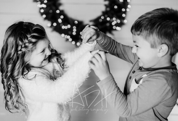 00059-©ADHPhotography2019--Hamilton--ChristmasMini--November5--bw