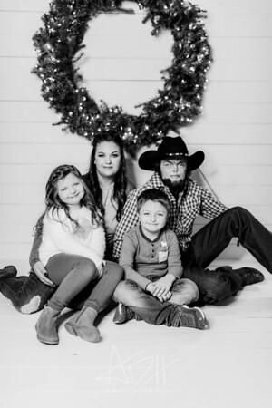 00006-©ADHPhotography2019--Hamilton--ChristmasMini--November5--bw