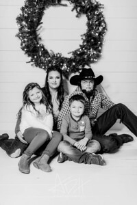 00005-©ADHPhotography2019--Hamilton--ChristmasMini--November5--bw