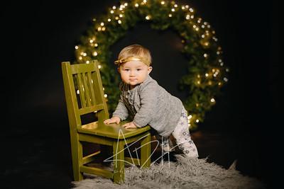 00177-©ADHPhotography2019--Hays--ChristmasMini--NOVEMBER16