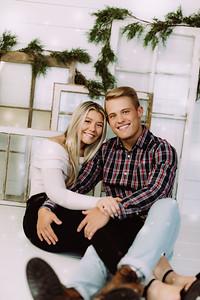 00001-©ADHPhotography2019--JaydDawson--ChristmasFarmhouseMini--Promo