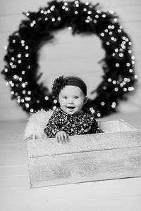00112-©ADHPhotography2019--Powers--ChristmasMini--NOVEMBER5