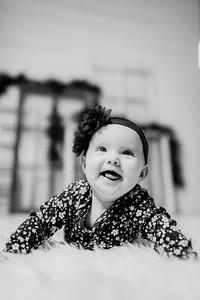 00157-©ADHPhotography2019--Powers--ChristmasMini--NOVEMBER5editedbw