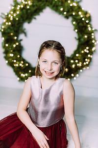 00008-©ADHPhotography2019--Webb--ChristmasFarmhouseMini--December10
