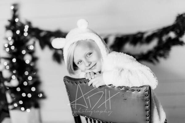 00078-©ADHPhotography2019--CrystalWest--ChristmasMini--November12--bw