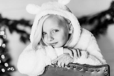 00080-©ADHPhotography2019--CrystalWest--ChristmasMini--November12--bw