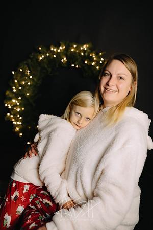 00005-©ADHPhotography2019--CrystalWest--ChristmasMini--November12