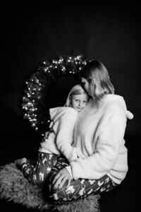 00003-©ADHPhotography2019--CrystalWest--ChristmasMini--November12--bw