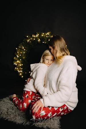 00004-©ADHPhotography2019--CrystalWest--ChristmasMini--November12