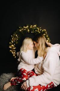 00007-©ADHPhotography2019--CrystalWest--ChristmasMini--November12