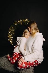 00003-©ADHPhotography2019--CrystalWest--ChristmasMini--November12