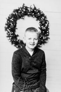 00001-©ADHPhotography2019--Wisnieski--ChristmasFarmhouseMini--December6bw