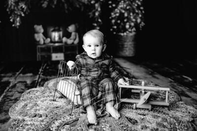 00021©ADHPhotography2020--DouglasStorrs--NightBeforeChristmasMini--November21bw