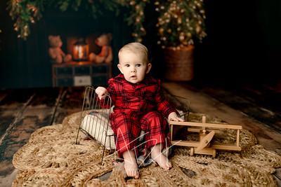 00021©ADHPhotography2020--DouglasStorrs--NightBeforeChristmasMini--November21