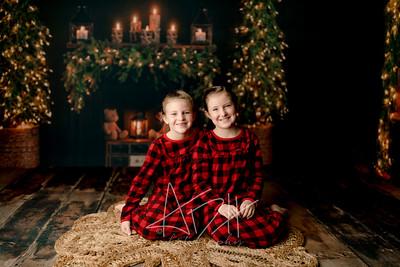 00034©ADHPhotography2020--DouglasStorrs--NightBeforeChristmasMini--November21