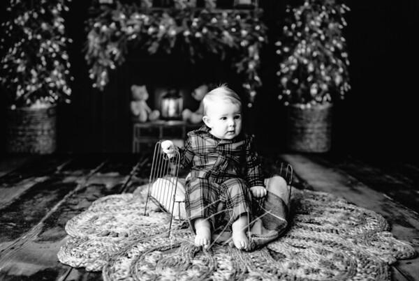 00003©ADHPhotography2020--DouglasStorrs--NightBeforeChristmasMini--November21bw