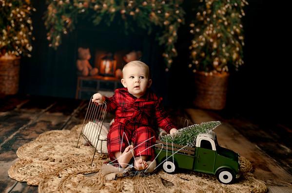 00011©ADHPhotography2020--DouglasStorrs--NightBeforeChristmasMini--November21