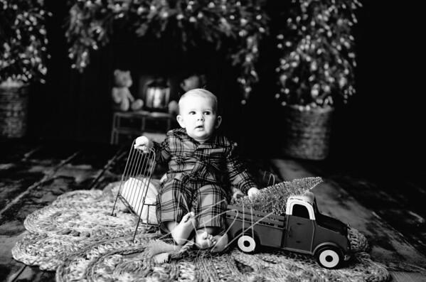 00011©ADHPhotography2020--DouglasStorrs--NightBeforeChristmasMini--November21bw