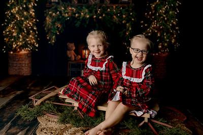 00010©ADHPhotography2020--Esch--ChristmasMini--October20