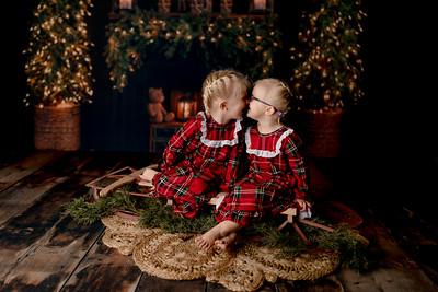 00004©ADHPhotography2020--Esch--ChristmasMini--October20