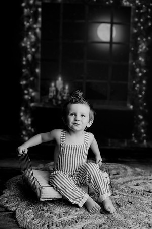 00007©ADHPhotography2020--EverettGass--NightBeforeChristmasMini--September16bw