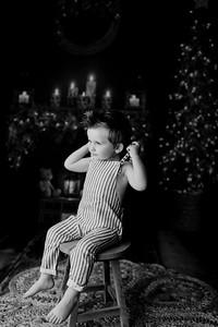 00010©ADHPhotography2020--EverettGass--NightBeforeChristmasMini--September16bw
