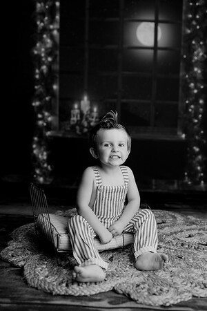00004©ADHPhotography2020--EverettGass--NightBeforeChristmasMini--September16bw