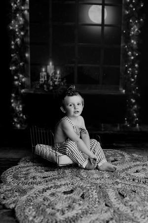 00003©ADHPhotography2020--EverettGass--NightBeforeChristmasMini--September16bw
