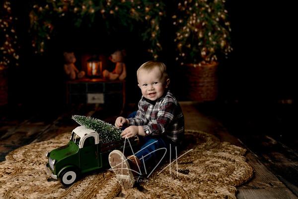 00057©ADHPhotography2020--MACFEE--CHRISTMASMINI--DECEMBER21
