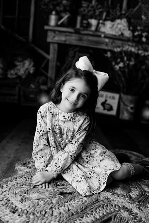 00009©ADHphotography2021--AddisonWynne--MidnightCottontail--March12bw