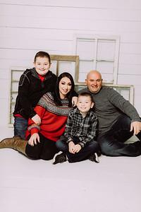 00025-©ADHPhotography2019--Bradley--ChristmasFarmhouseMini--December14
