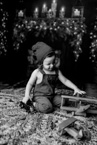 00007©ADHPhotography2020--Bburns--ChristmasMini--November16bw