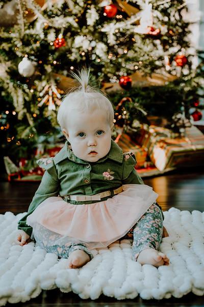 00325--©ADHphotography2018--ClaflinDaycare--ChristmasMini--December7
