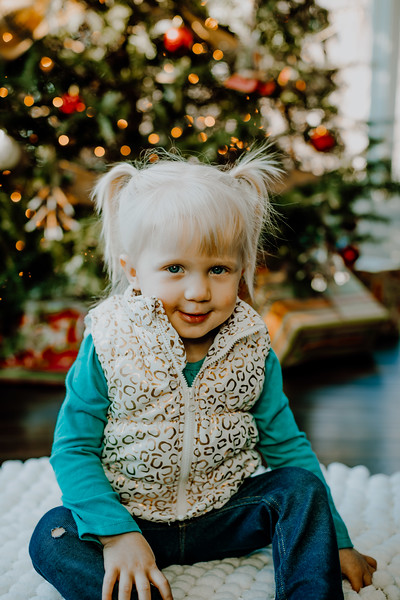 00137--©ADHphotography2018--ClaflinDaycare--ChristmasMini--December7