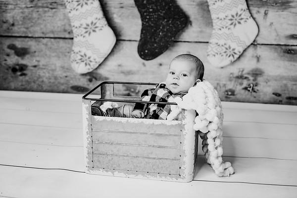 00022--©ADHphotography2018--StetsonChaytonVirgil--ChristmasMini--November15