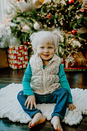 00131--©ADHphotography2018--ClaflinDaycare--ChristmasMini--December7