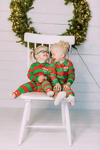 00001-©ADHPhotography2019--Esch--ChristmasMini--November1