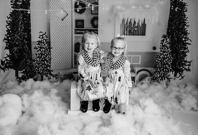 00005©ADHPhotography2020--Esch--RetroCamper--November4bw