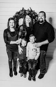 00049-©ADHPhotography2019--Findley--ChristmasFarmhouseMini--December1bw
