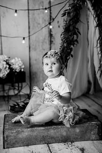 00115--©ADHPhotography2020--EmmaFornoff--OneYearAndFamil--March14bw