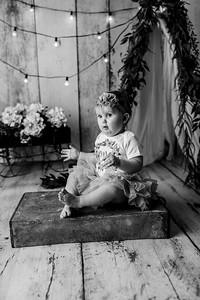 00108--©ADHPhotography2020--EmmaFornoff--OneYearAndFamil--March14bw