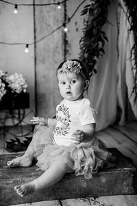 00112--©ADHPhotography2020--EmmaFornoff--OneYearAndFamil--March14bw