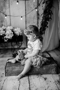 00111--©ADHPhotography2020--EmmaFornoff--OneYearAndFamil--March14bw