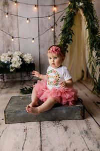 00107--©ADHPhotography2020--EmmaFornoff--OneYearAndFamil--March14