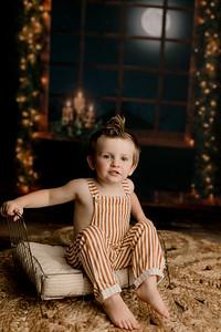 00009©ADHPhotography2020--EverettGass--NightBeforeChristmasMini--September16