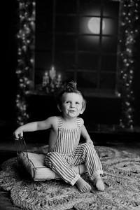 00008©ADHPhotography2020--EverettGass--NightBeforeChristmasMini--September16bw
