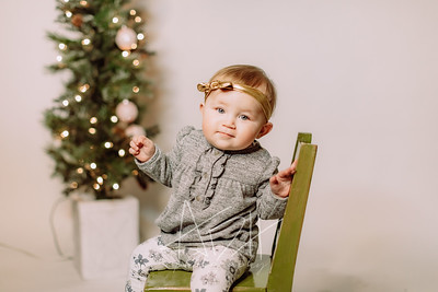 00091-©ADHPhotography2019--Hays--ChristmasMini--NOVEMBER16