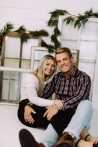 00004-©ADHPhotography2019--JaydDawson--ChristmasFarmhouseMini--Promo